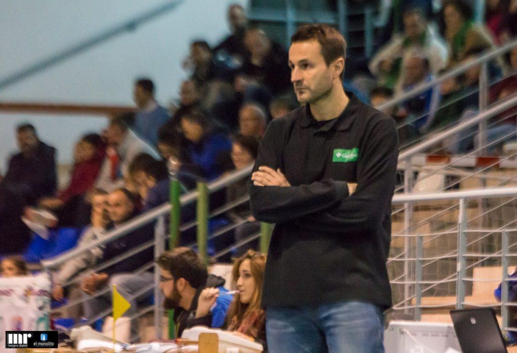 Alejandro Gonzalez durante un partido del CP La Roda