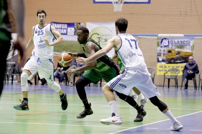 G. Elías durante un partido con Albacete Basket